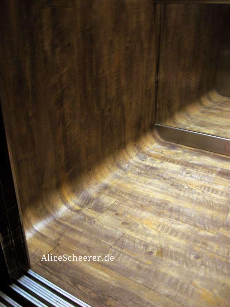 Aufzug mit abgerundeten Ecken im 25hours by Levis ®